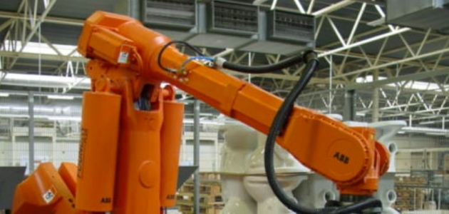 Nível de emprego na indústria fica estável em fevereiro